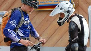 Vélo de Descente-Les Gets, Portes du Soleil-Vélo de descente aux Gets-4