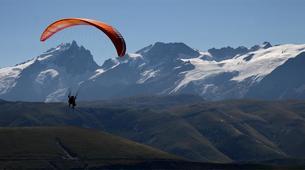 Paragliding-Alpe d'Huez Grand Domaine-Tandem paragliding flight in Alpe d'Huez-12