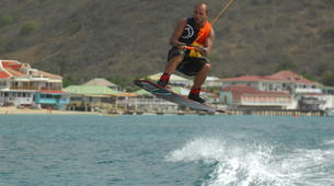 Wakeboarding-Saint Martin-Wakeboarding and wakesurfing boat sessions in St Martin-4