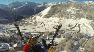 Paragliding-Alpe d'Huez Grand Domaine-Tandem paragliding flight in Alpe d'Huez-11