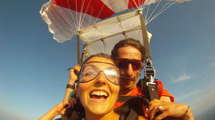 Skydiving-Dordogne-Tandem skydive from 3500m in Dordogne-4