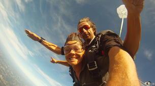 Skydiving-Dordogne-Tandem skydive from 3500m in Dordogne-1