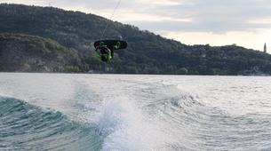 Wakeboard-Annecy-Coaching Privé Perfectionnement Wakeboard et Wakesurf sur le Lac d'Annecy-6