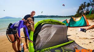 Kitesurfing-Hua Hin District-Beginner kitesurfing courses in Hua Hin-3