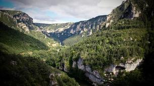 Bungee Jumping-Gorges du Tarn-Bungee jumping from the cliffs of Gorges du Tarn (107m)-1