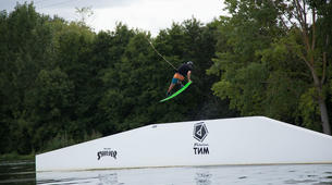 Wakeboard-Lac du Magne-Coaching Privé Wakeboard Perfectionnement vers Poitiers-4