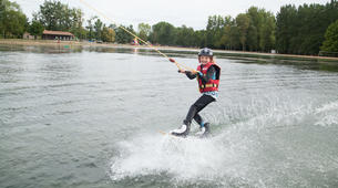 Wakeboarding-Lake Magne-Private wakeboarding cable hire near Poitiers-6