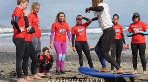 Surfing-Caleta de Famara, Lanzarote-Surfing courses in Caleta de Famara, Lanzarote-6