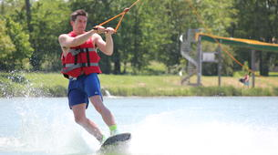 Wakeboarding-Lake Magne-Private wakeboarding cable hire near Poitiers-3