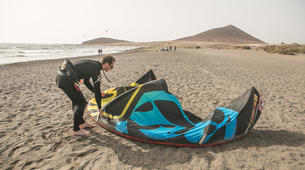 Kitesurfing-El Medano, Tenerife-Private kitesurfing lessons on El Medano beach-6