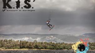 Kitesurfing-Cagliari-Kitesurfing lessons and courses near Cagliari, Sardinia-6