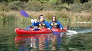 Kayaking-Rotorua-Kayaking on Lake Rotoiti to the hot pools in Rotorua-3