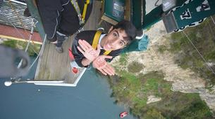 Bungee Jumping-Taupo-Bungee jumping from 47 metres in Taupo-3