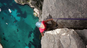 Rock climbing-Calanques-Multi pitch rock climbing course in the Calanques, Marseille-1