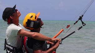 Kitesurfing-Tahiti-Kitesurfing lesson and course in Tahiti-1