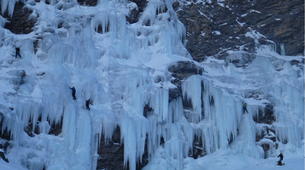 Ice Climbing-Risoul, La Forêt Blanche-Icefall climbing courses in Queyras Mountains-4