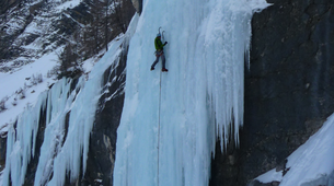 Ice Climbing-Risoul, La Forêt Blanche-Icefall climbing courses in Queyras Mountains-7