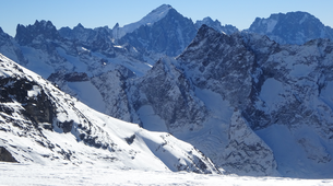 Backcountry Skiing-La Grave-Backcountry skiing in La Grave-3