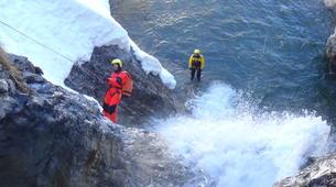 Canyoning-Hautes-Pyrénées-Canyon Hivernal / Ice Canyoning de l'Ossoue (Aval) dans les Hautes Pyrénées-1