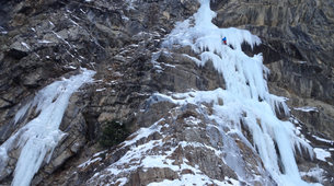 Ice Climbing-Risoul, La Forêt Blanche-Icefall climbing courses in Queyras Mountains-3