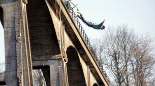 Bungee Jumping-Paris-Bungee jumping from Viaduc de Saint Georges-le-Gaultier (45m) near Paris-5