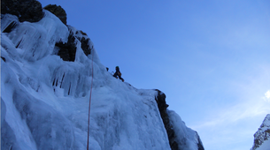 Ice Climbing-Bielsa-Icefall climbing in Bielsa, Aragonese Pyrenees-2