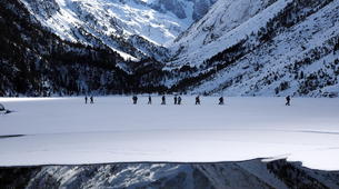 Snowshoeing-Cauterets-Snowshoeing hike near the Gaube Lake-4