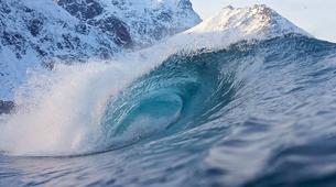 Surf-Lofoten-Arctic surfing in Unstad Bay, Lofoten-4