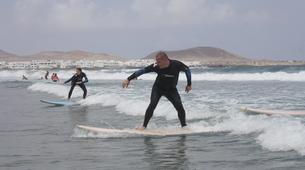Surfing-Caleta de Famara, Lanzarote-Beginner surfing course in Caleta de Famara, Lanzarote-13