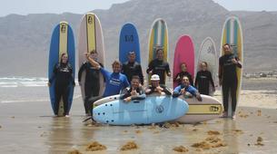 Surfing-Caleta de Famara, Lanzarote-Beginner surfing course in Caleta de Famara, Lanzarote-4