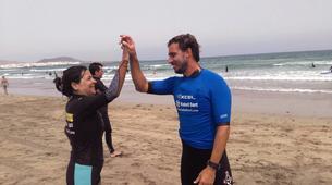 Surfing-Caleta de Famara, Lanzarote-Beginner surfing course in Caleta de Famara, Lanzarote-7