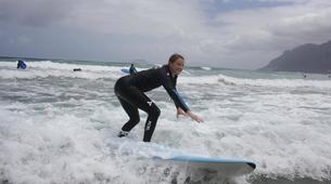 Surfing-Caleta de Famara, Lanzarote-Beginner surfing course in Caleta de Famara, Lanzarote-6