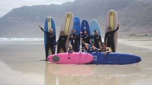 Surfing-Caleta de Famara, Lanzarote-Beginner surfing course in Caleta de Famara, Lanzarote-3