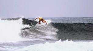 Surf-Caleta de Famara, Lanzarote-Intermediate surfing course in Caleta de Famara, Lanzarote-3