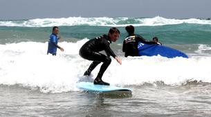 Surfing-Caleta de Famara, Lanzarote-Beginner surfing course in Caleta de Famara, Lanzarote-5