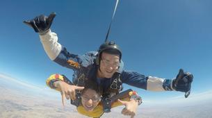 Skydiving-Madrid-Tandem skydive from 4000 metres near Madrid-7