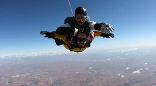 Skydiving-Madrid-Tandem skydive from 4000 metres near Madrid-3