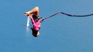 Bungee Jumping-Queenstown-Bungee jumping from the Ledge (47m Freestyle with Epic Views) in Queenstown-3