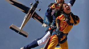 Skydiving-Madrid-Tandem skydive from 4000 metres near Madrid-2