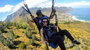 Parapente-Le Cap-Tandem paragliding flight in Lion's Head in Cape Town-8