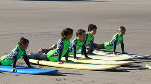 Surfing-Hendaye-Surfing lessons in Hendaye: beginners or intermediate surfers-5