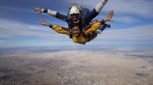 Skydiving-Madrid-Tandem skydive from 4000 metres near Madrid-8
