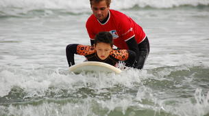 Surfing-Hendaye-Surfing lessons in Hendaye: beginners or intermediate surfers-3
