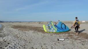 Kitesurfing-Hyeres-Semi-private kitesurfing lessons in Hyeres-1