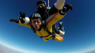 Skydiving-Madrid-Tandem skydive from 4000 metres near Madrid-5