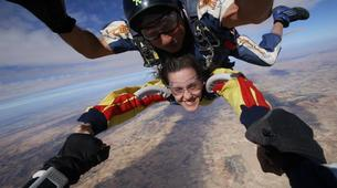 Skydiving-Madrid-Tandem skydive from 4000 metres near Madrid-10