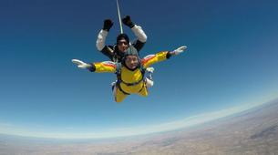 Skydiving-Madrid-Tandem skydive from 4000 metres near Madrid-6