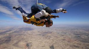 Skydiving-Madrid-Tandem skydive from 4000 metres near Madrid-9
