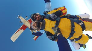 Skydiving-Madrid-Tandem skydive from 4000 metres near Madrid-11