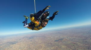 Skydiving-Madrid-Tandem skydive from 4000 metres near Madrid-12